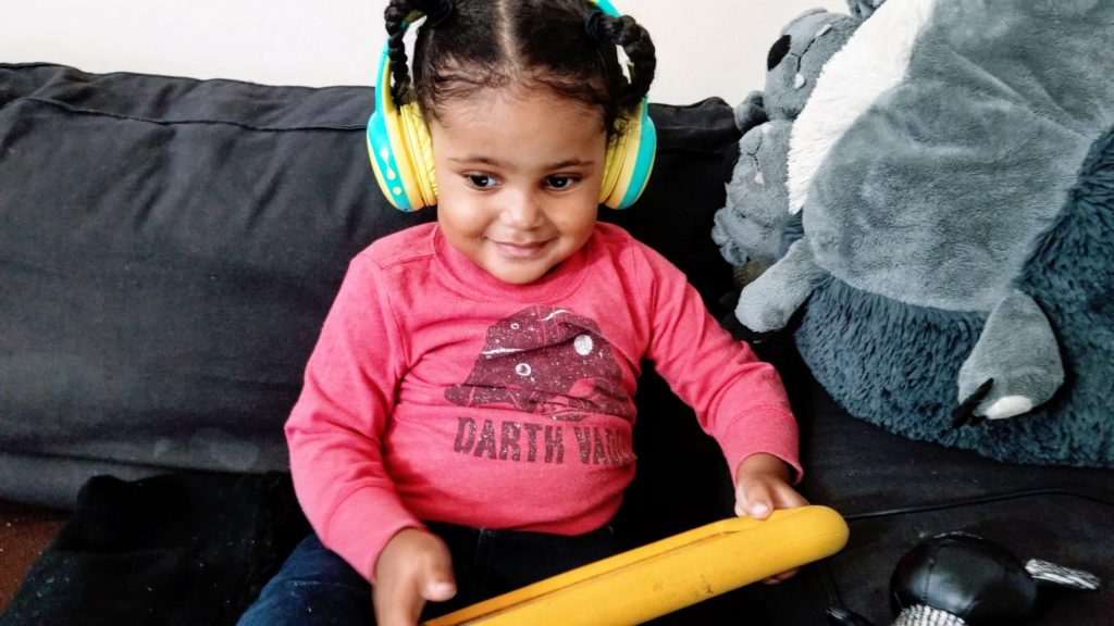 toddler Gorsun bluetooth headphones tablet